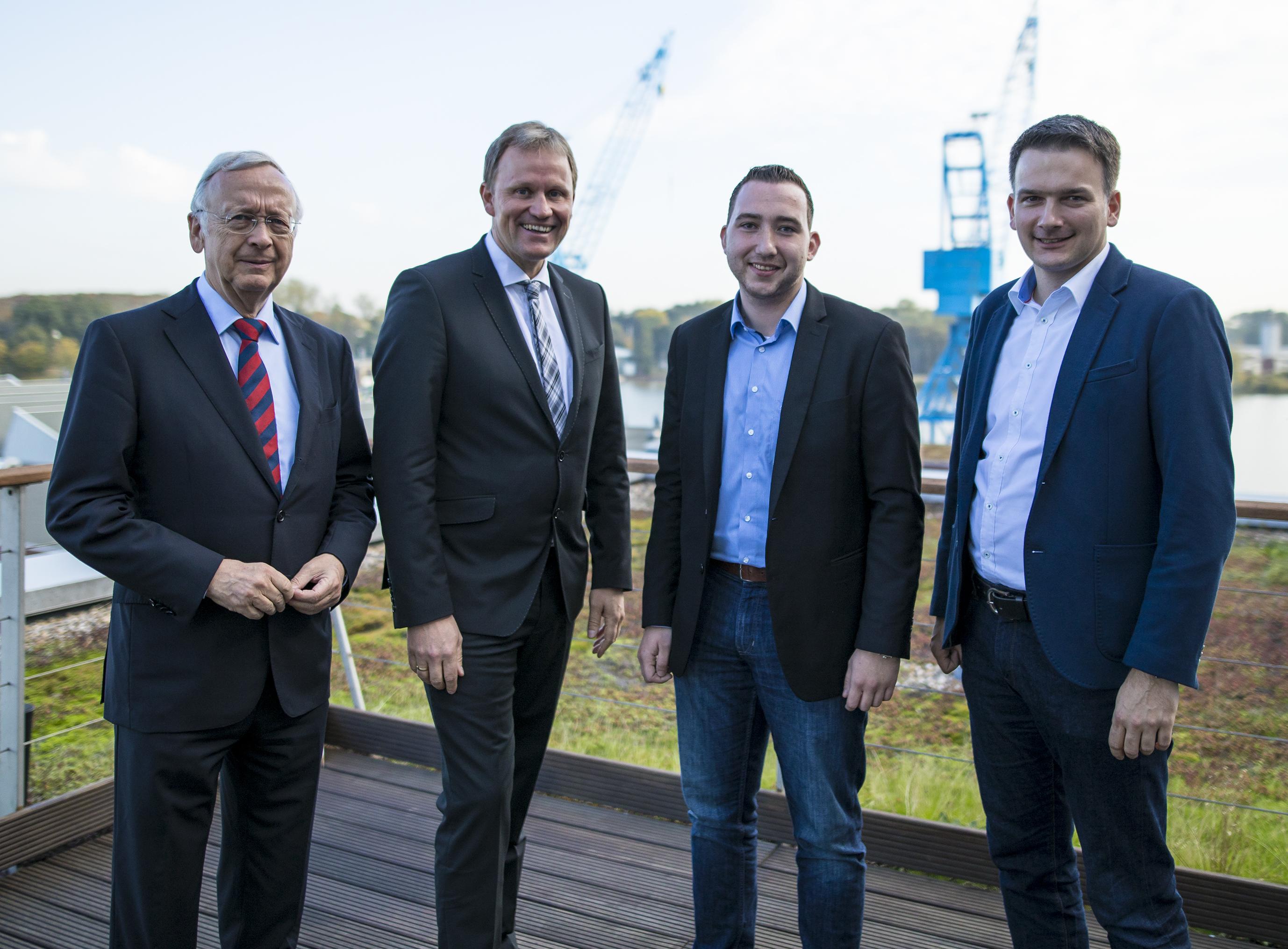 Europaabgeordneter Gieseke im Austausch auf der MEYER WERFT in Papenburg
